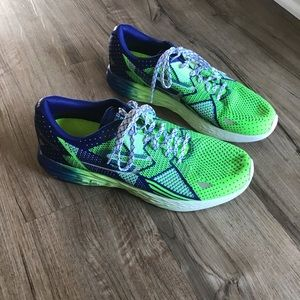Men's Size 11 Skechers GoMeb Razor Green and Blue